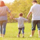 労災事故の解決後の家族のイメージ
